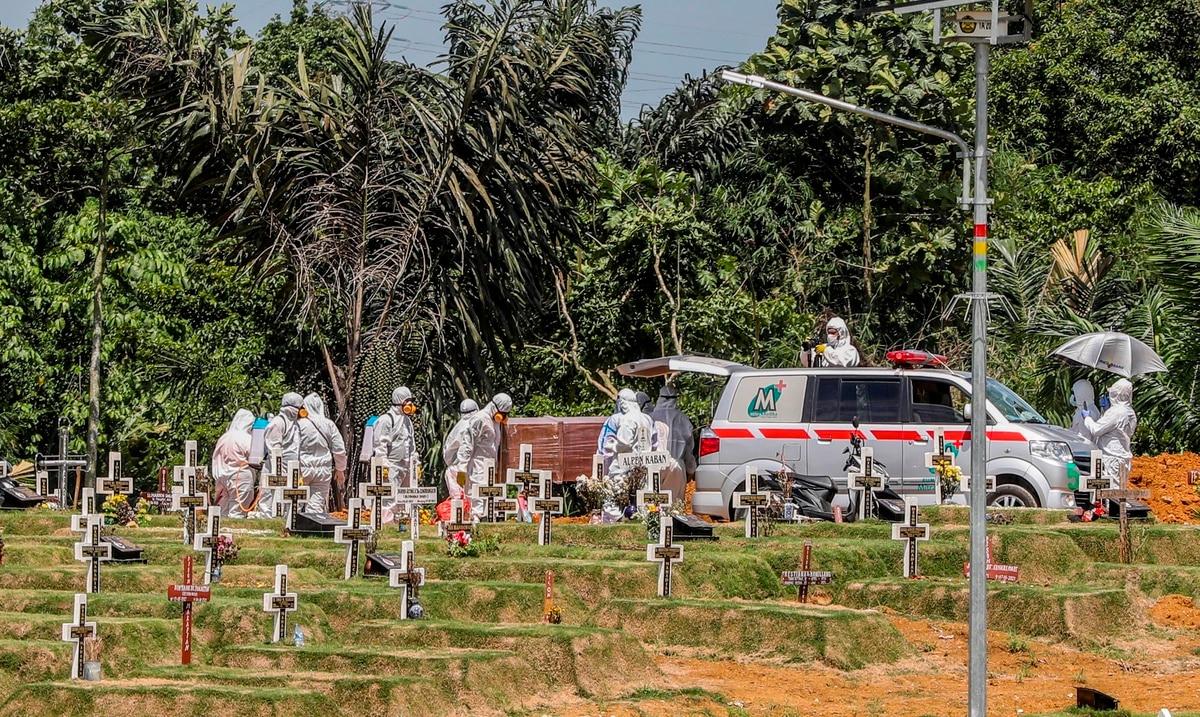 Un millón de niños perdieron por el COVID-19 a un padre o abuelo que les cuidaba