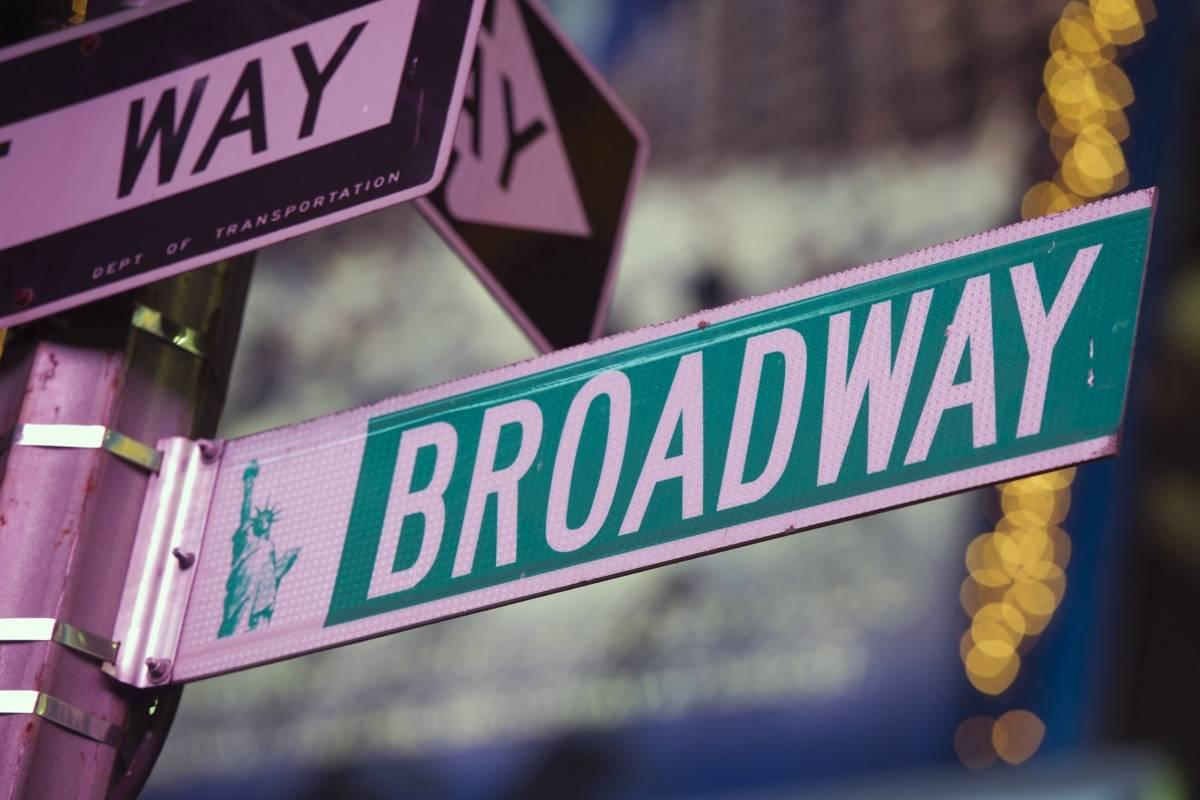 Broadway requerirá vacunas y mascarillas a su audiencia
