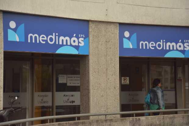 Usuarios se quejan por demora en entrega de medicamentos, Medimas dice que son casos puntuales