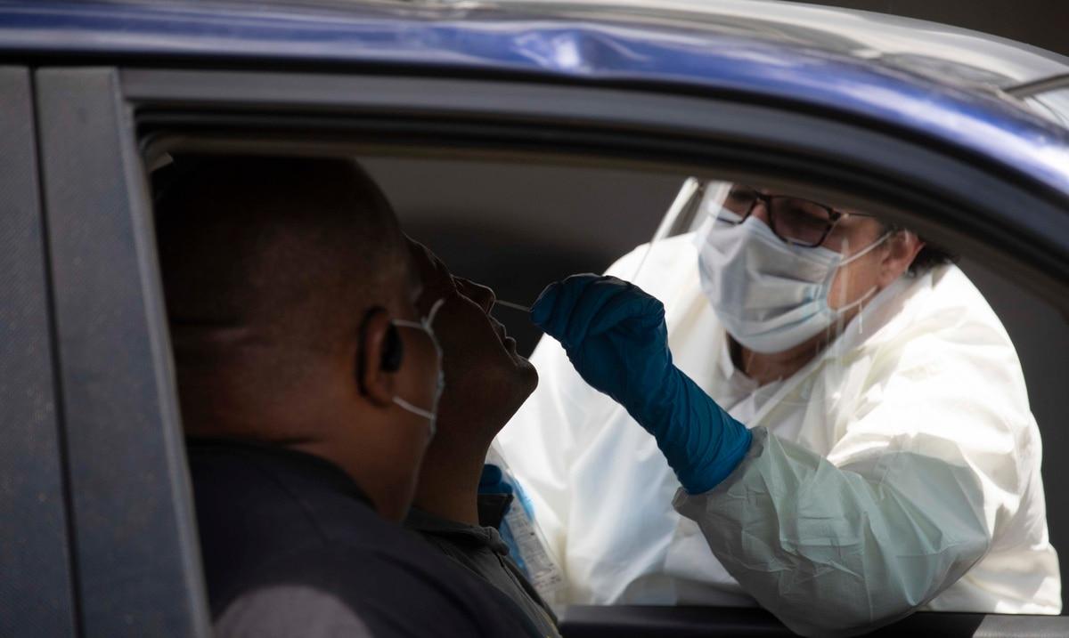 Salud reporta tres nuevas muertes y 488 hospitalizaciones por COVID-19