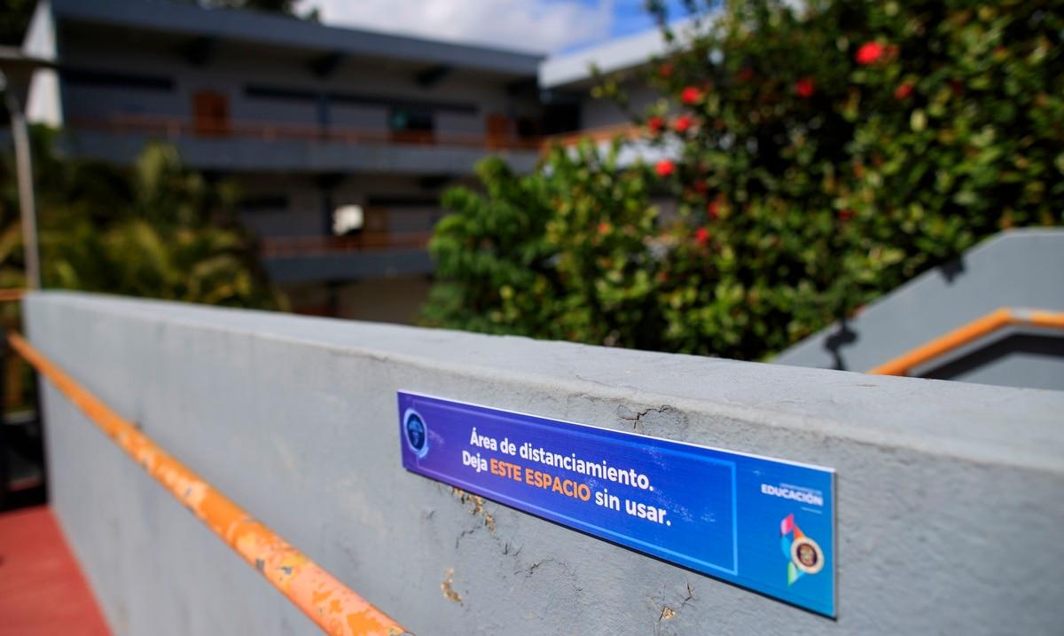 El Departamento de Educación reporta 142 casos de COVID-19 en escuelas