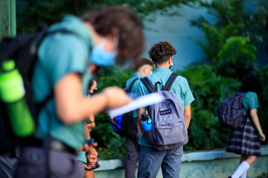 Los estudiantes en University Gardens pasaron por un proceso de cernimiento para luego entrar al plantel.