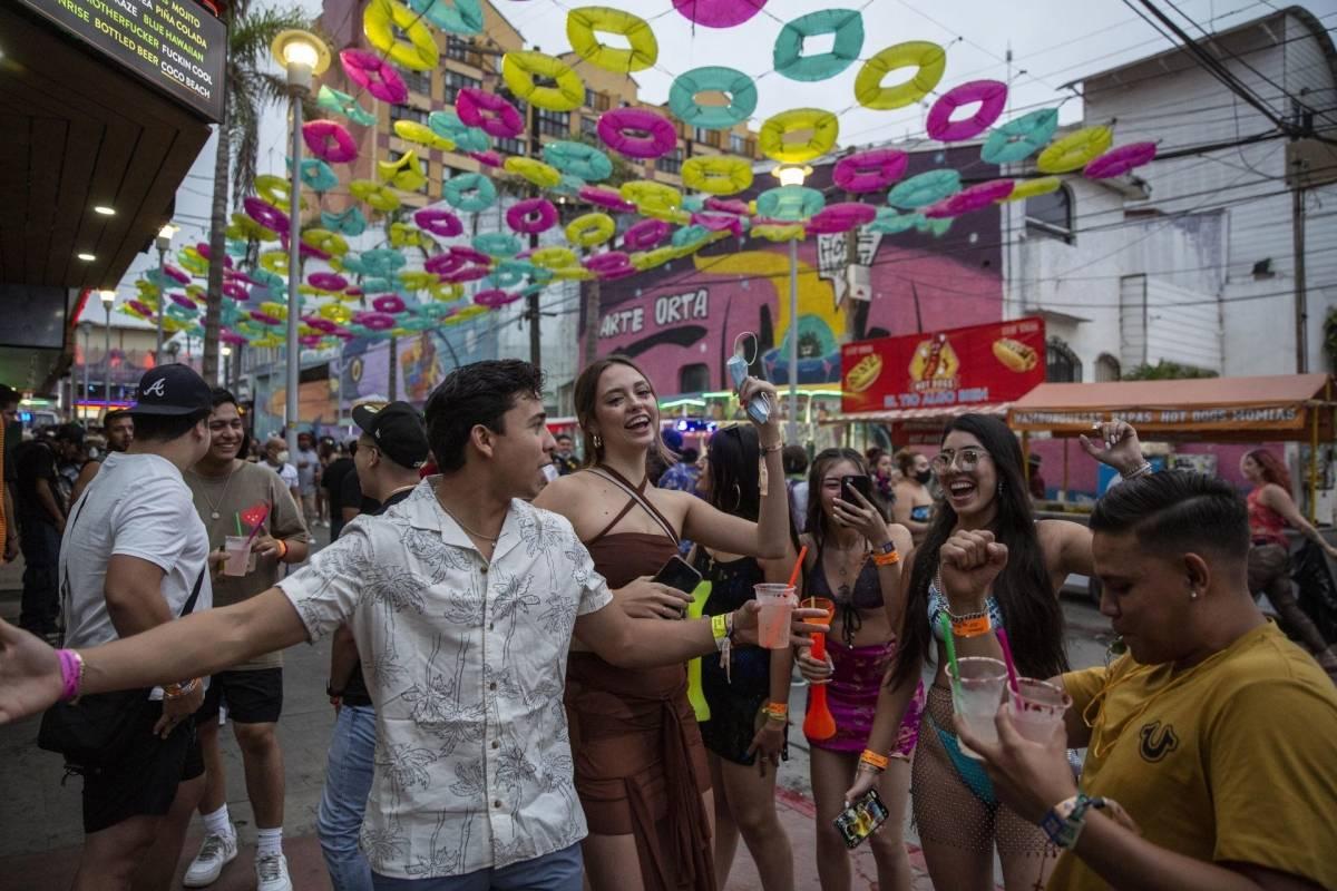 Festival que no respetó al virus: Fallece de COVID el organizador del Baja Beach Fest