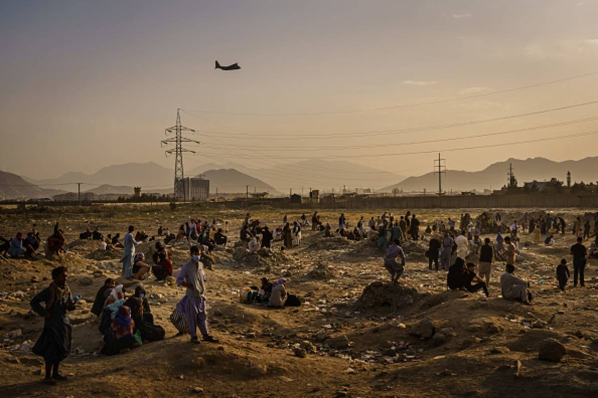 Aumentan a 170 los muertos en el atentado en el aeropuerto de Kabul
