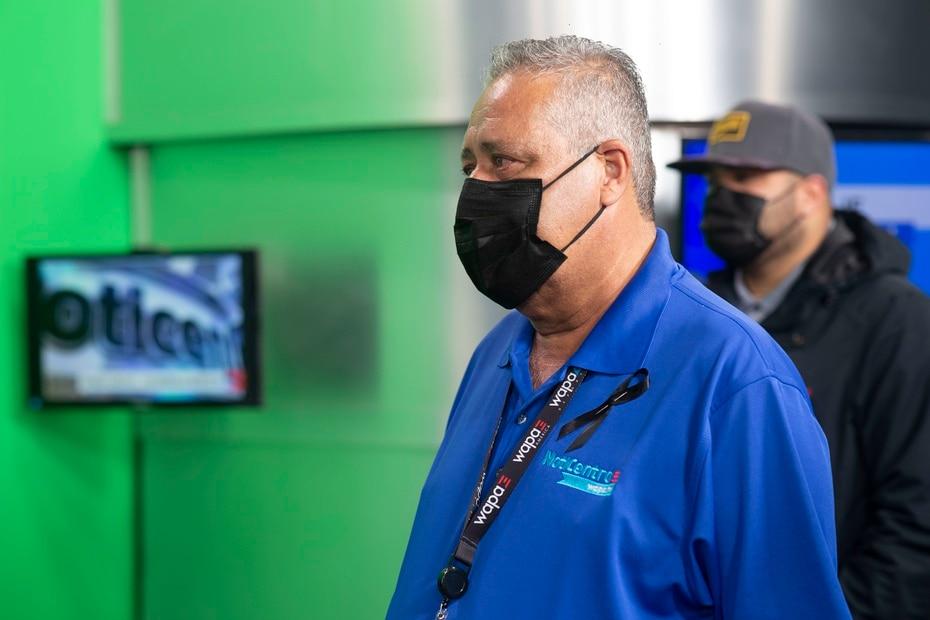 En el estudio de noticias todos los reporteros y empleados manifestaban su dolor con ojos aguados y caras tristes.