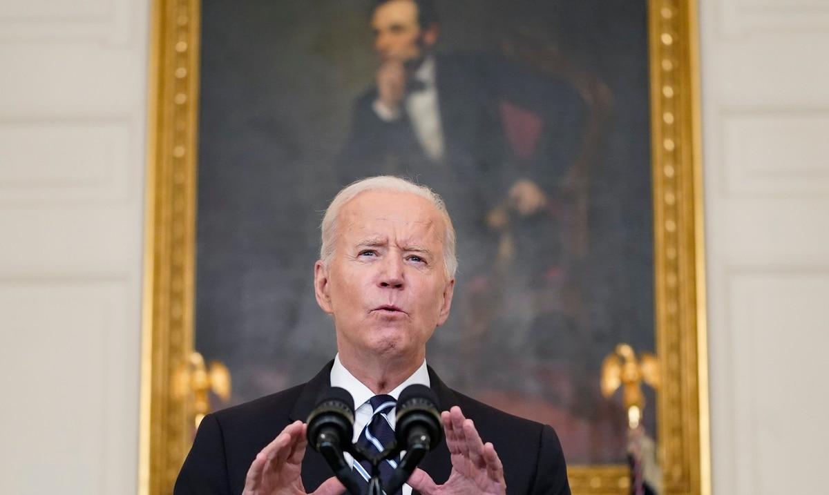 Biden anuncia que toda empresa con más de 100 empleados tendrá que exigir vacunación contra el COVID-19