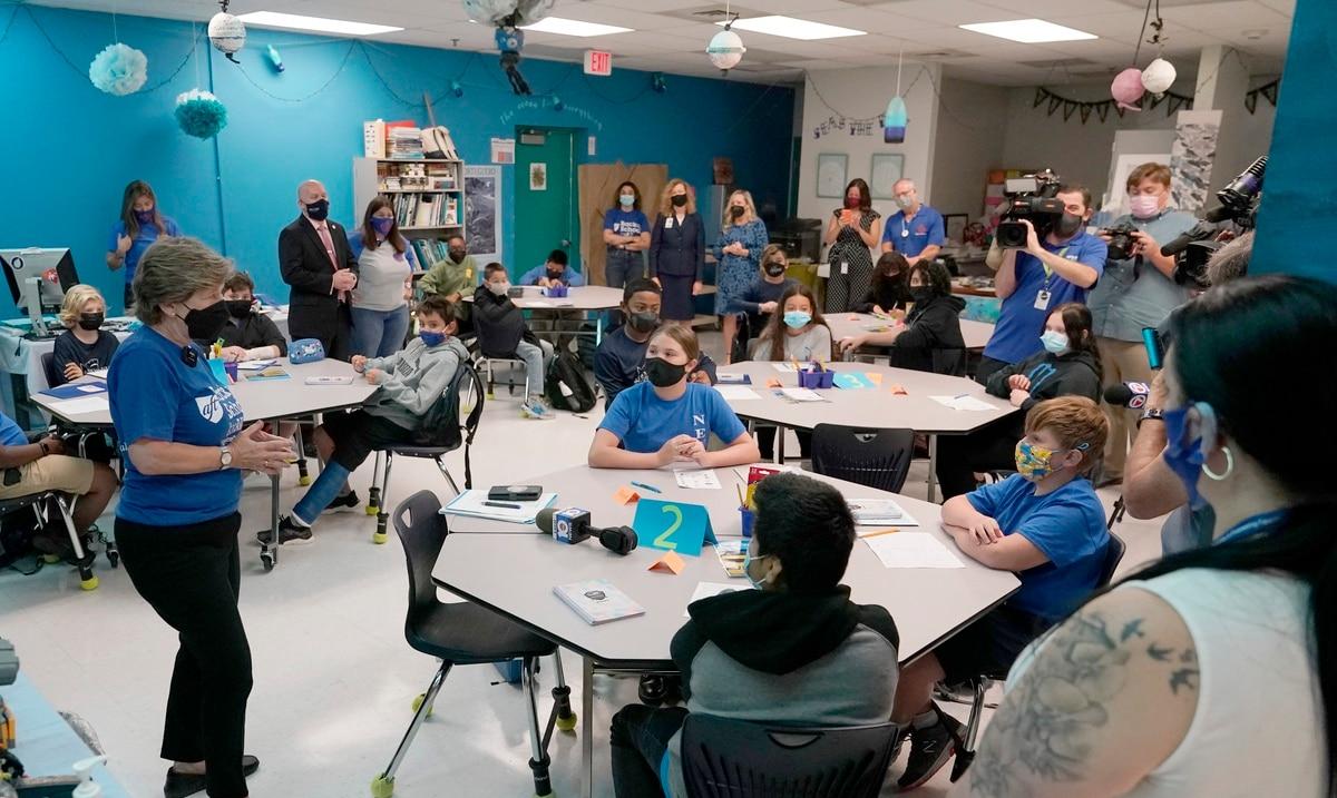 El gobernador de Florida apela fallo judicial sobre uso de mascarillas en las escuelas