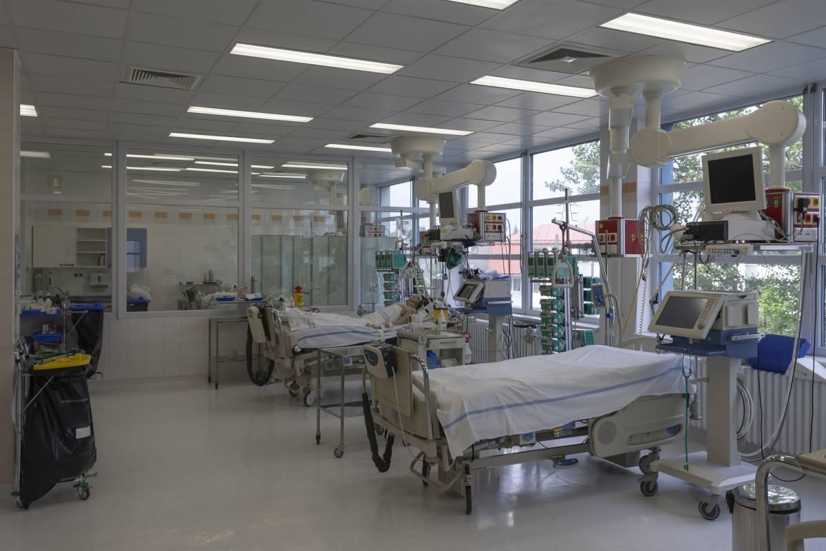Tres hospitales en Puerto Rico llenos de pacientes con COVID