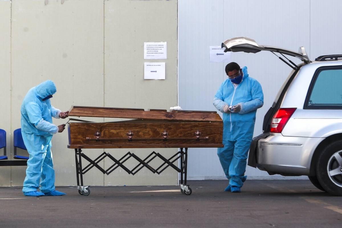 El Covid-19 en números: cierra agosto como el tercer mes con más muertes desde el inicio de la pandemia