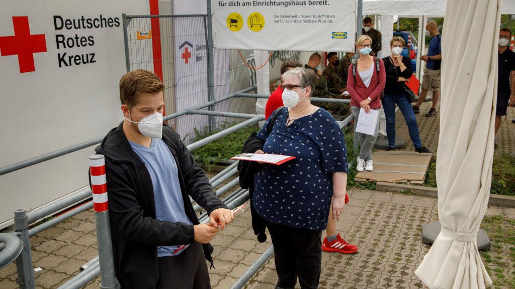 OMS reporta importante descenso en nuevos casos de coronavirus en el mundo
