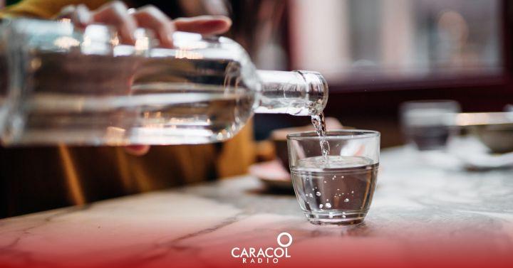 Los problemas de salud por beber agua en exceso