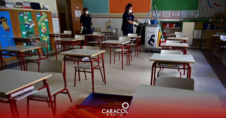 Gobierno pidió acelerar la vacunación contra la COVID-19 en colegios