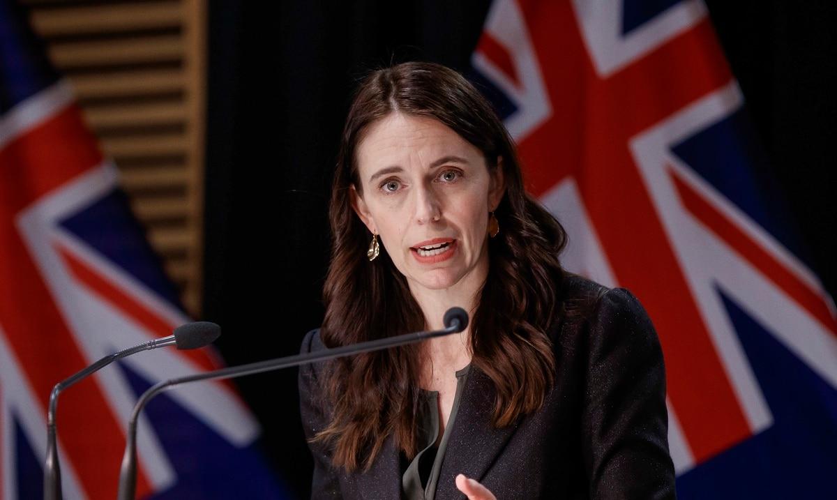 Nueva Zelanda obliga a maestros y personal médico a vacunarse contra el COVID-19