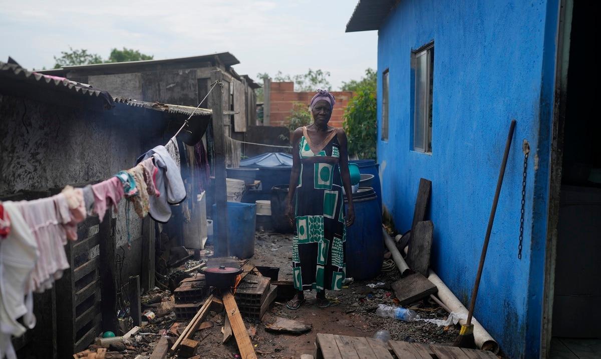 Una inflación de dos dígitos castiga a las comunidades pobres en Brasil